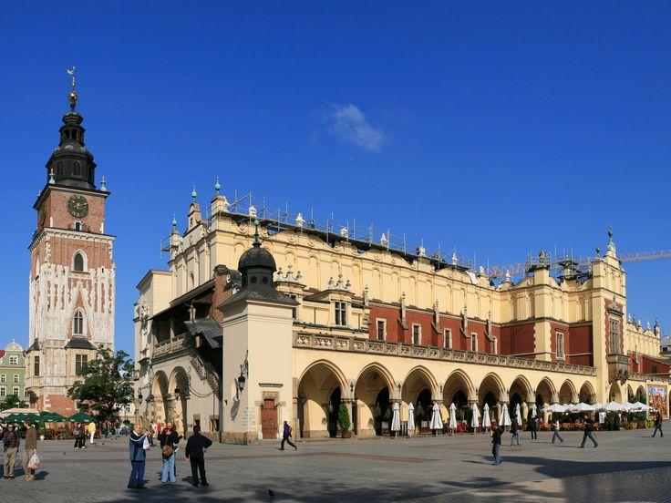Renaissance Cloth Hall (Sukiennice) in Main Market Square. Kraków (city), Poland (country)