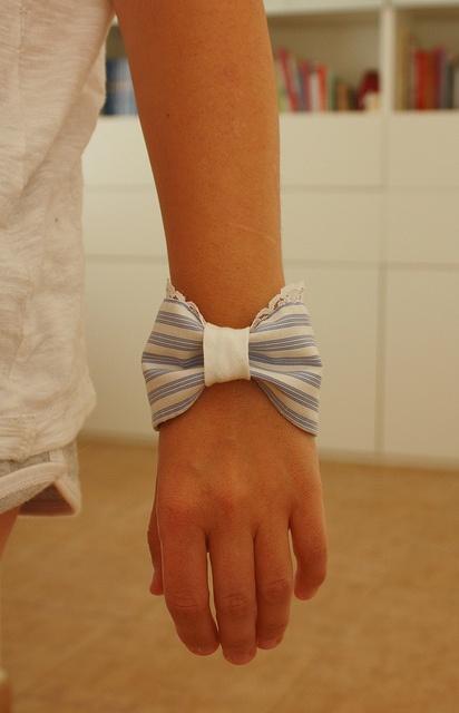pulsera con puño de camisa