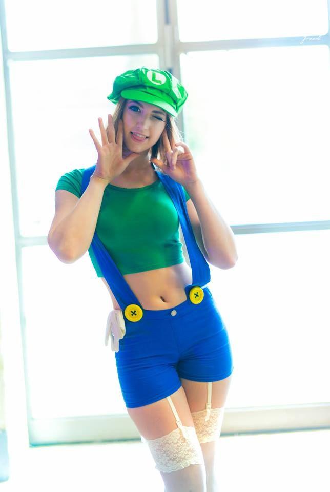 Fae La Blanche Cosplay - Luigi - Cosplay - Super Mario Brothers ... 23d0e966754