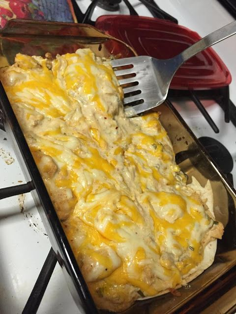 fit_happy_furmom: Cheesy Chicken & Green Chili Lasagne