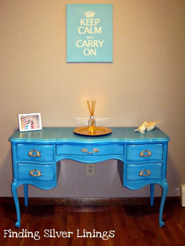 It's truly amazing what a little paint can do.  It can completely transform something from old and ratty to updated and fresh. This tutorial is not the end all be all in furniture painting, i…