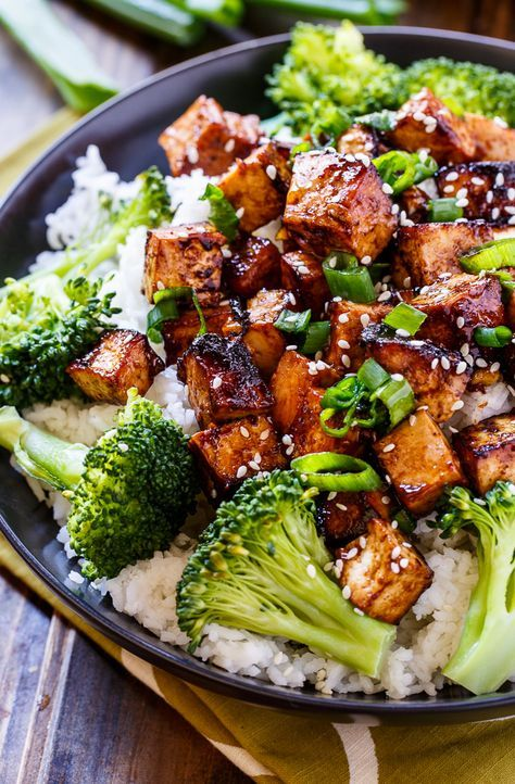 Asian Garlic Tofu | Marinated in a sweet and spicy sauce and seared until crispy, serve this dish over Minute White Rice for a delicious dinner meal.