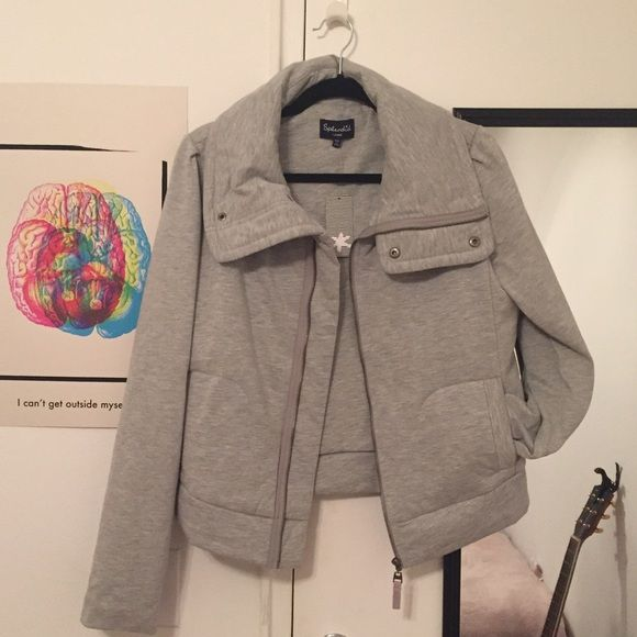 NWT Splendid jacket Comfy light grey Splendid jacket! Brand new. Perfect condition. Willing to negotiate, just send an offer! Splendid Jackets & Coats