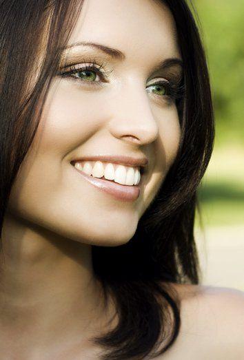 El maquillaje de día, con el que vamos a trabajar cada día debe ser natural, eficaz y de fácil y rápida aplicación.