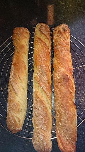 Baguette Parisienne, ein schmackhaftes Rezept aus der Kategorie Brot und Brötchen. Bewertungen: 272. Durchschnitt: Ø 4,6.