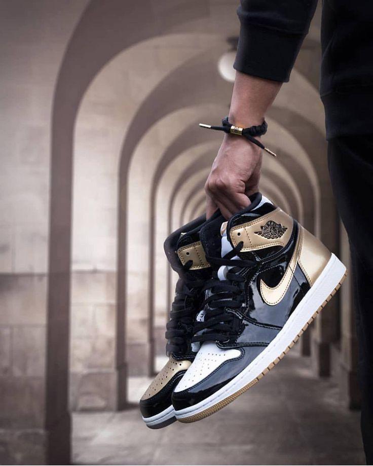 Nike Air Jordan 1 Retro High Og Gold Top 3 2017 Sneakers