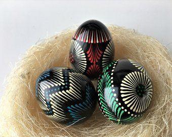 La decoración de los huevos de pascua es distinto en diferentes países del mundo. ¡La decoración que hacen en Polonia para esta festividad es increíble!