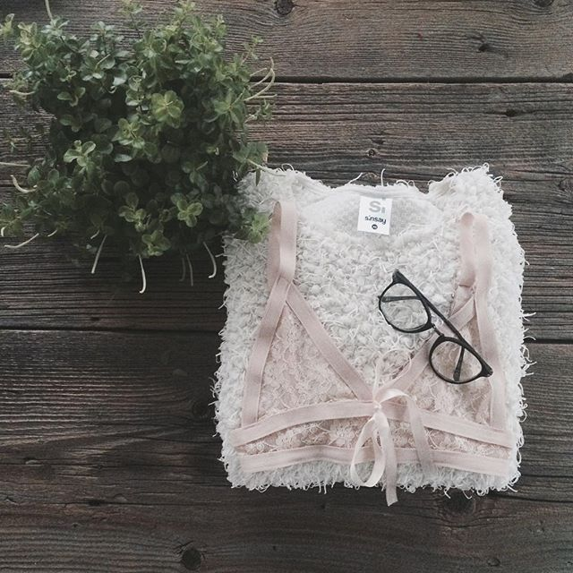 #onthetable #table #lingerie #lacelingerie #softlingerie #flower #wood #interior #fashion #fashionblogger #polishgirl #style #classy #stayclassy #love #instagood #instamood #minimal #minimalistic #photography #photography #photooftheday #picoftheday