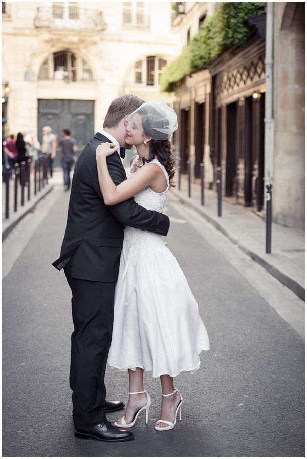 First look for wedding in Paris | Image by Pictours Paris