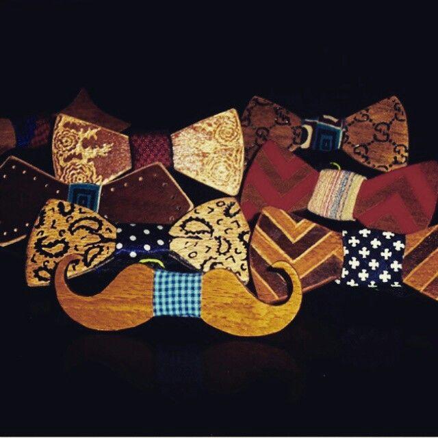 Bow tie buat kamu kamu yang ingin tampil bedaaaa......, Bow tie ini terbuat dari kayu lhoooo..... Sooo ayoooo tambah koleksi kamu,,biar makin kece  Line : toevhen Sms/WA : 087871898289  #JUALAN#BOW#TIE#toevhen#onlineshop