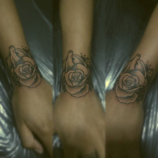 #tatuajes #tattoo #diseño #design #diseñotatuaje #tattoodesign #tecnic #técnica #stilo #style #ink #tinta #blacktattoo #tatuajenegro #onlyblack #tattoolife #Lite #style #new #art #arte #realismo #puntos #life #estilodevida #love #pasion #viernes13tattoo