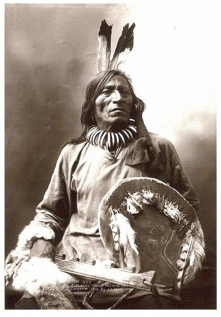 Sioux Medicine Man, Fool Bull, photographed by John Anderson. The sheild is now in a museum.