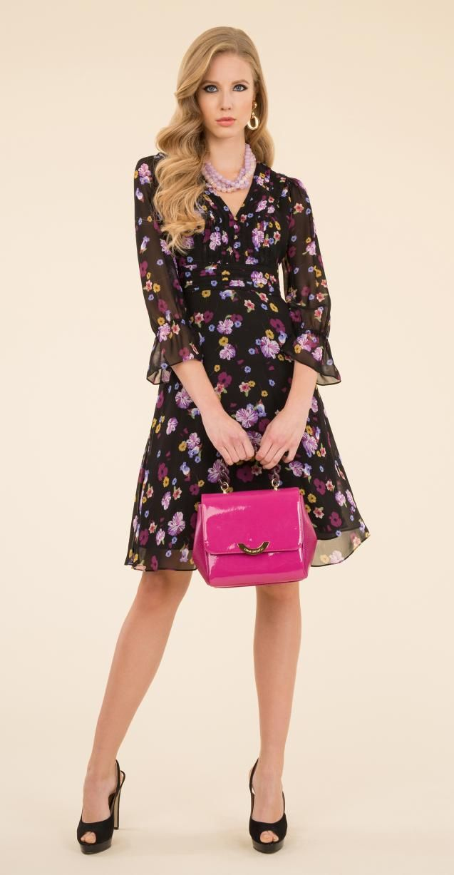 Floral dress, Isabel bag and Nicol necklace.