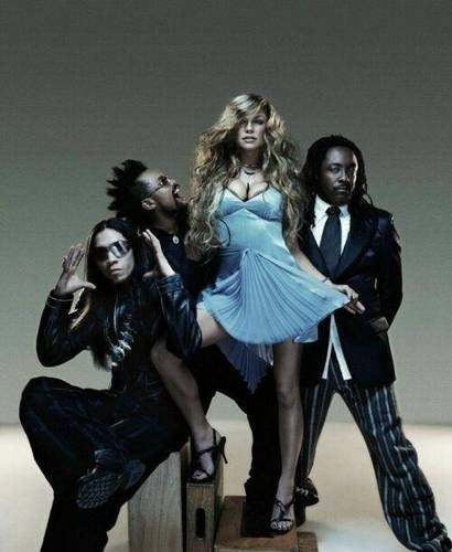 The Black Eyed Peas always get a crowd going. My humps, my humps, my humps, my humps. Boom boom pow x