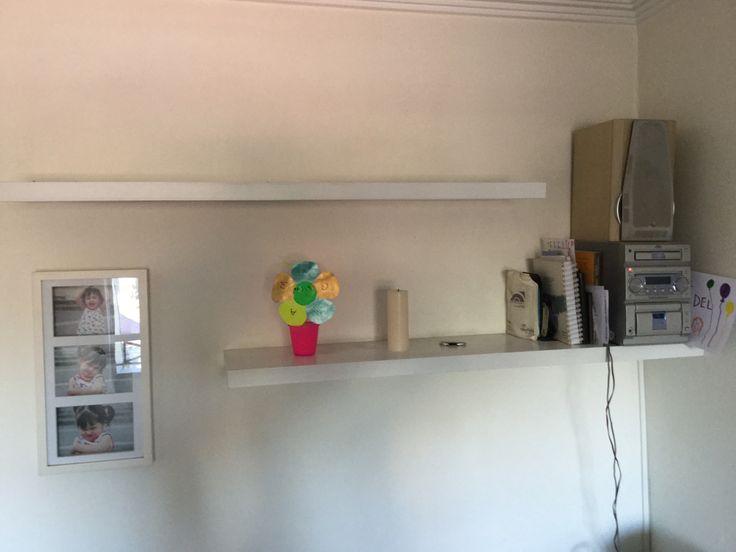 $8.000 - Repisas variados tamaños y colores (blancas y cafe) - Juanita