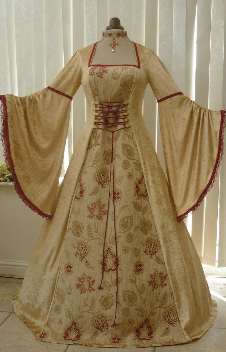1000 images about renaissance period on pinterest renaissance - Renaissance Gold Velvet And Tapestry Dress Dawns Medieval Dresses