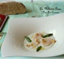 Recette - Saint-Jacques en carpaccio et crème de roquefort Papillon, asperges vertes et noisettes - Notée 4.4/5 par les internautes
