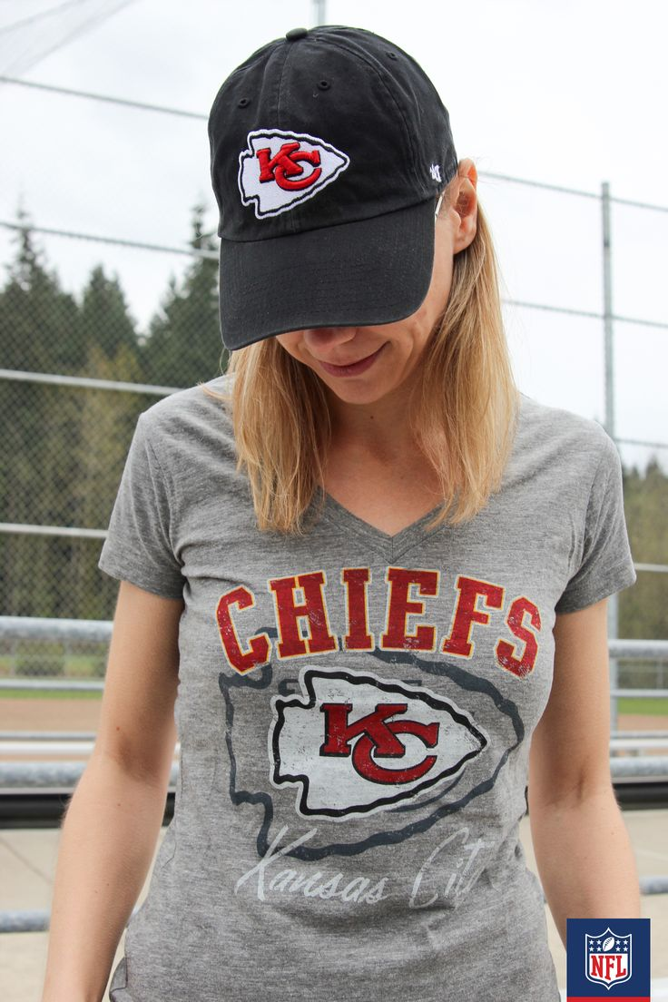 Hit the next Chiefs game in style! Cap off your look with an easy adjustable hat. (via Stuffed Suitcase)