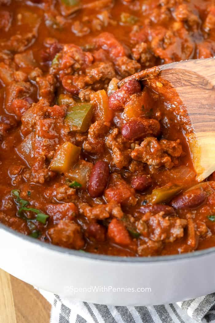 A Thick Hearty And Flavorful Chili Is The Best This Easy Chili Recipe Is Loaded With Ground Beef And Beans Best Chili Recipe Chili Recipe Easy Chilli Recipes