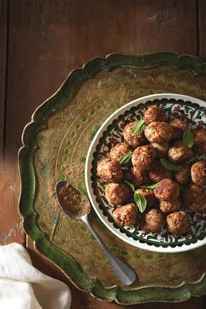 Greek Meatballs & Rice. H πολίτικη κουζίνα.κεφτεδακια με κιμα και ρυζι
