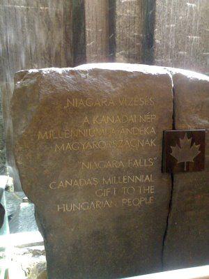 Budapest, Present of Canada