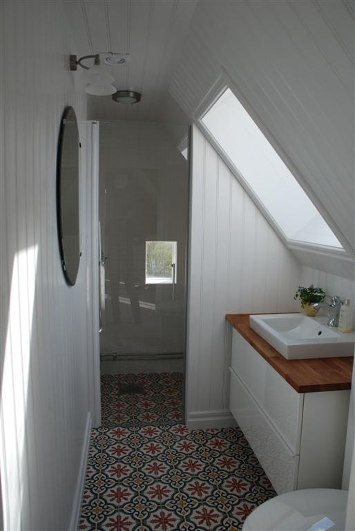 Best 30 Small Bathroom Designs Slanted Ceiling Design Inspiration Of Attic Bathroom Sloped