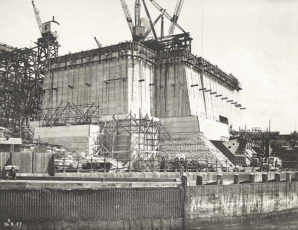 Sydney Harbour Bridge being built. Southern Abutment Tower from Dawes Point Vehicular Ferry Docks