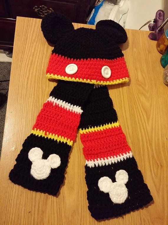 Kid's Crochet Mickey Mouse Scarf by CrazyTownCrochet on Etsy
