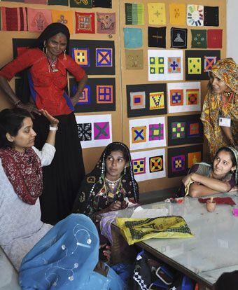 Kala Raksha Vidyalaya art school Women's Colour class 2010