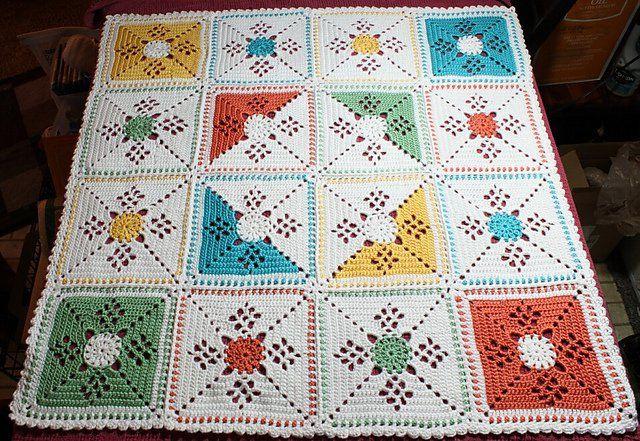 Yine güzel bir motif örneği daha. İsterseniz tek renk , isterseniz her bir motifte farklı renk, isterseniz 1 motifte 2 renk. Her şekilde örebileceğiniz güz