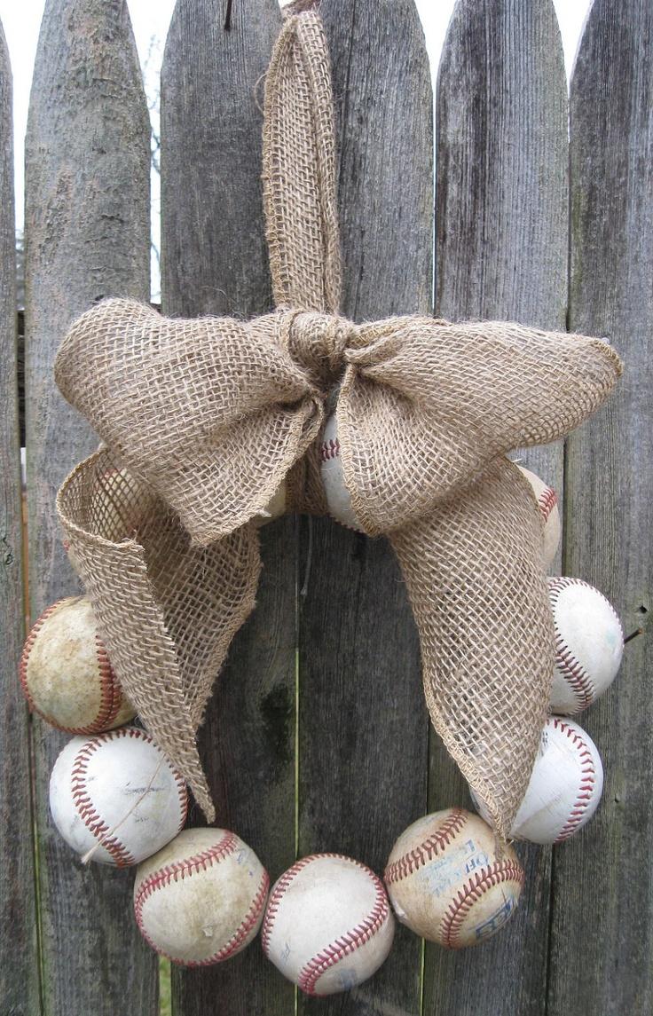 Burlap Baseball Love Wreath makes me think of @Haley Benson!!