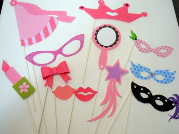 Perfect for a Fancy Nancy Birthday Party Photo Booth!