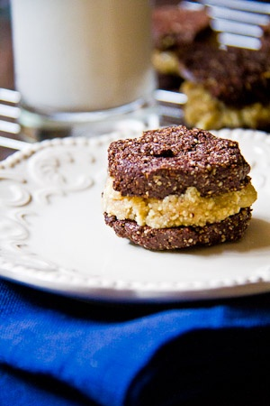 Vegan Chocolate Sandwich Cookies with Coconut Cream Filling- Made only with fruit & nuts!: Sweet, Vegans, Vegan Chocolate, Sandwich Cookies, Homemade Oreos, Homemade Vegan