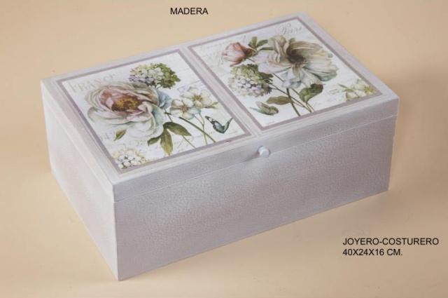 CAJA DE FLORES EN MADERA IDEAL COMO JOYERO-COSTURERO     Medidas: 40X24X16 cm    Iva incluido