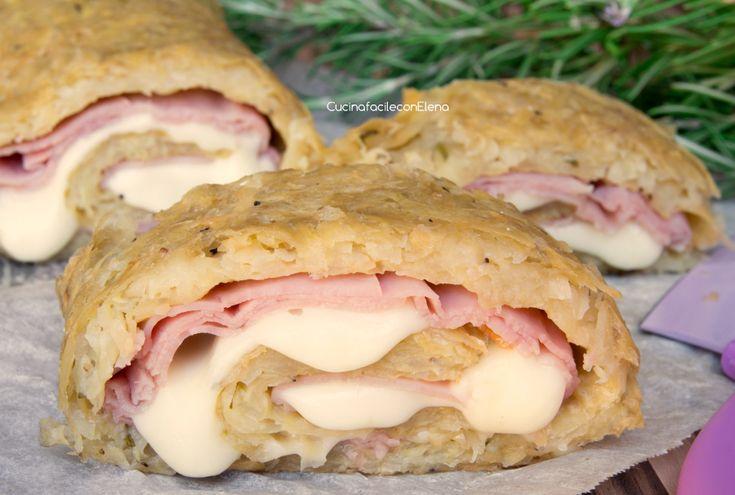 Il Rotolo di Patate veloce con Prosciutto e Scamorza è una ricetta semplice e velocissima da preparare in quanto le patate non vanno cotte prima, è divino!!