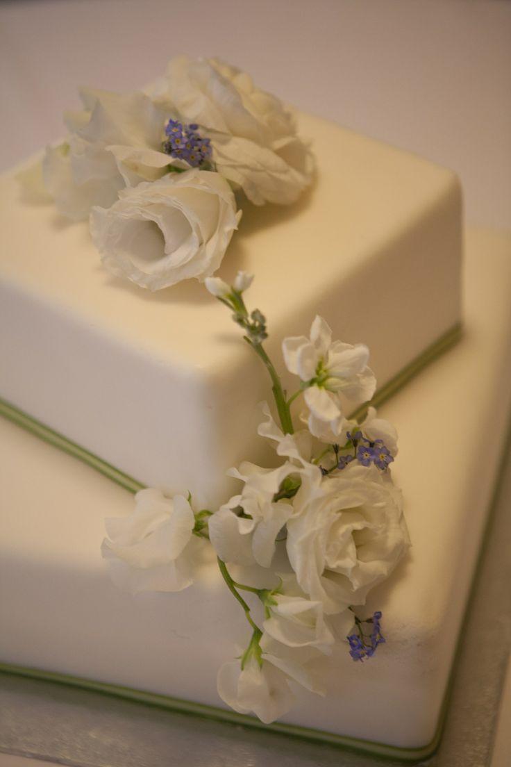 Kel & Ed's wedding cake