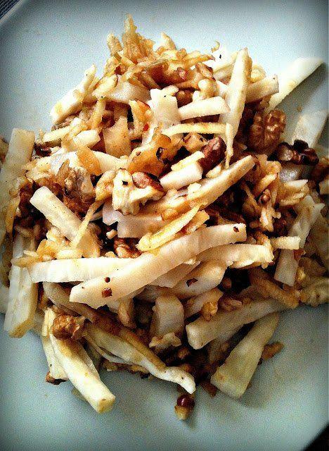 Vacsorára: almás-diós zellersaláta (paleo) | Praktikák sok gyerekhez