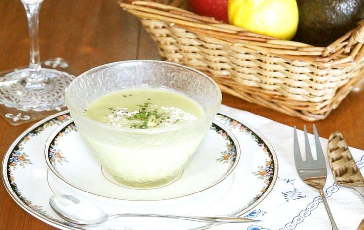 フレンチの前菜で出される本格冷製スープ。食物繊維やビタミン類を多く含む為、美容やダイエットにぴったりの一品☆動画URL有