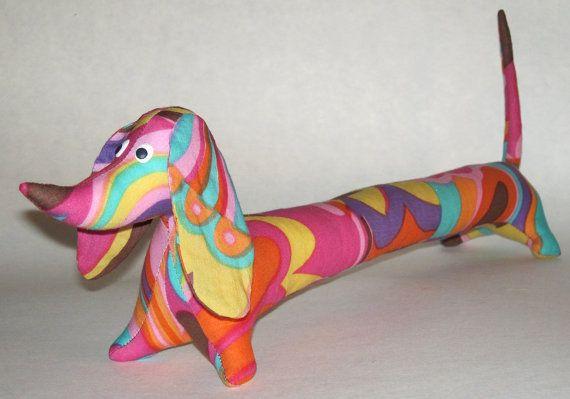 Авторская игрушка ручной работы - Такса, самая длинная в мире. Материалы: хлопок, холлофайбер. Длина 42 см.