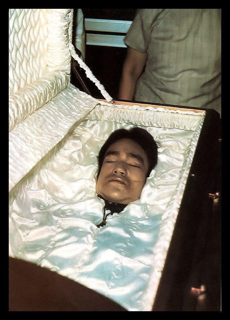 71 best Bruce Lee's funeral images on Pinterest   Funeral ...  Bruce