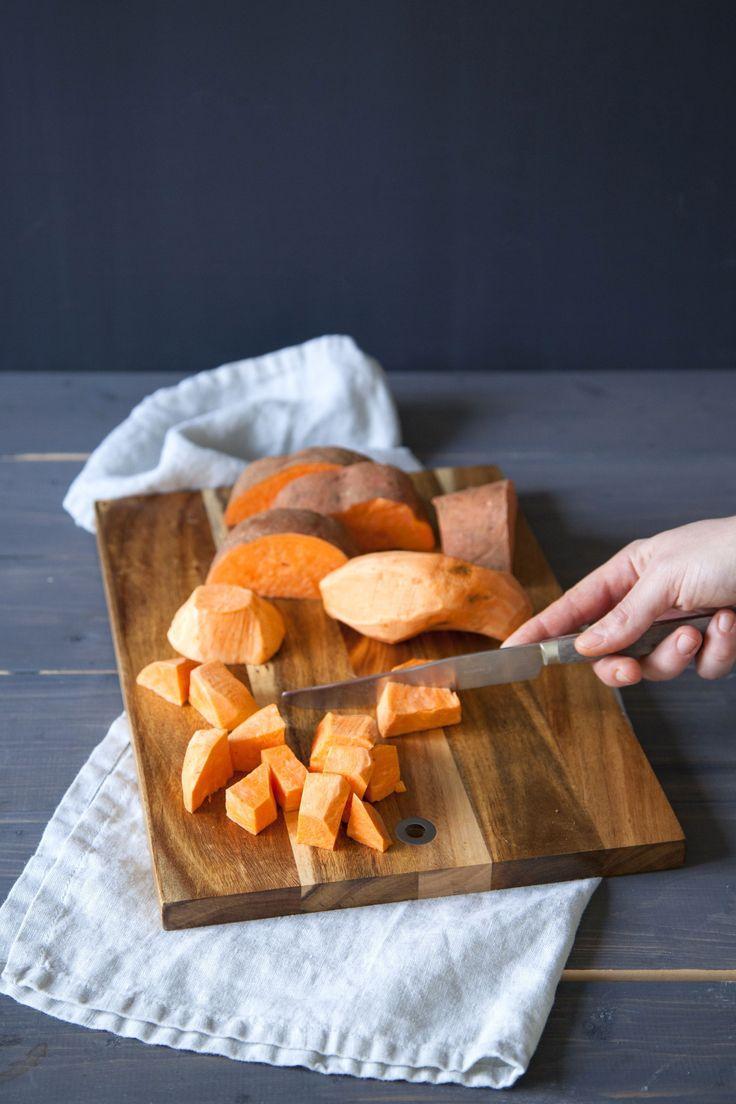 Ovenschotel van zoete aardappel en linzen · EVA maakt het plantaardig