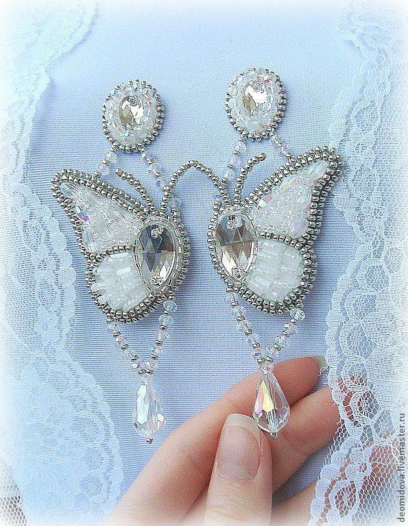"""Купить Серьги """"Крылья бабочек"""" - белый, бабочки, Крыло бабочки, легкость, хрусталь, хрустальные серьги"""