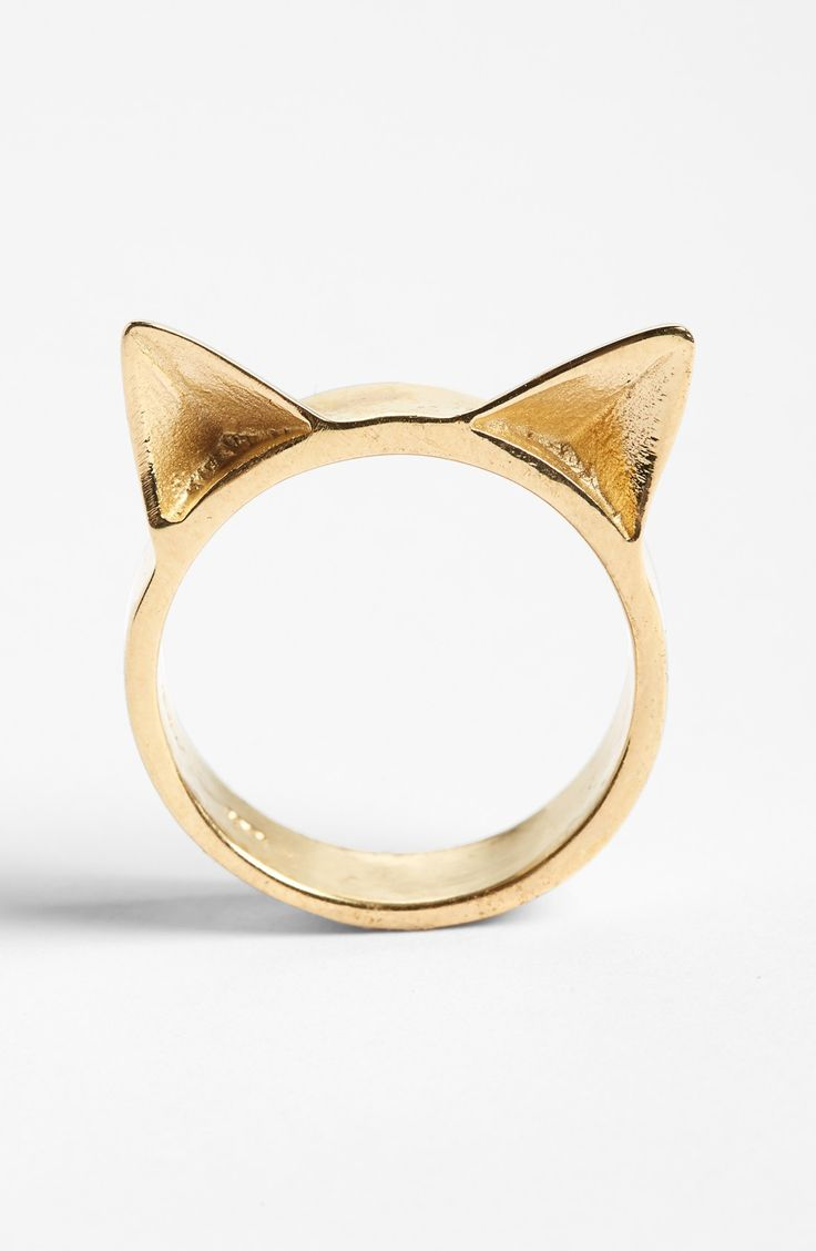 In love with this shiny cat ears ring!