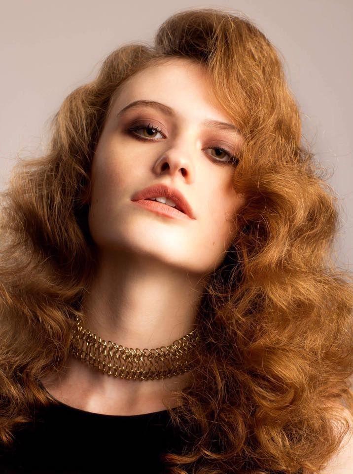 Hair & Makeup: Ana Lulikova Foto: Doinel Ungureanu http://mybeautytips.ro/2016/10/16/trucuri-simple-din-culisele-editorialelor-de-beauty/