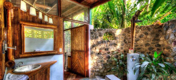 Iguana Lodge -