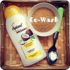 Il cowash ( conditioner only wash) è un metodo che permette di lavare i capelli solo con zucchero e balsamo, senza l'utilizzo dello shampoo