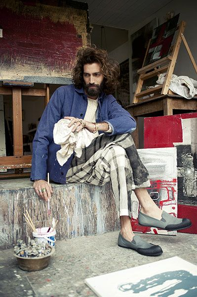 Men's fashion: Artist inspired style - in pictures Fashion's love affair with art and artists continues, with Carven, Burberry and Raf Simons referencing Hockney, Calder, Giacometti and Morandi in their summer collections. Take inspiration from the distinctive layered-up uniform of the artist, one that is splashed with paint splatters, and is an eclectic mix of well-worn, textured fabrics and bohemian prints to make your summer wardrobe a work of art.