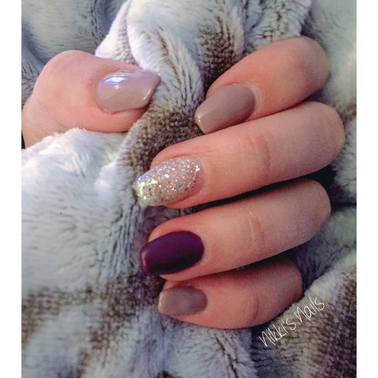 Nude, sparkle and plum Nails for Fall 2016