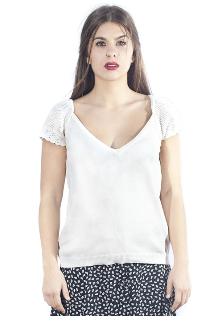 Retro white top. http://marlet-shop.com/collections/tops/products/vintage-black-top