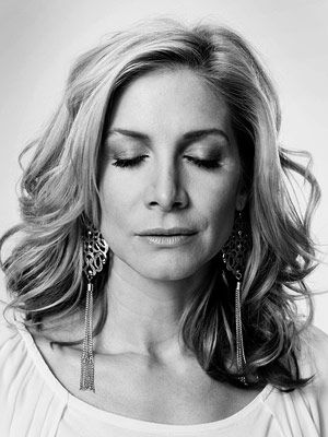 Lost, Elizabeth Mitchell | ELIZABETH MITCHELL (Dr. Juliet Burke) WHEN SHE DIED Season 6, episode 1 HOW SHE DIED From injuries after falling into the Swan station's pit